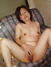 Hairy mature wife from Japan