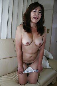 Japanese mature   Yumi