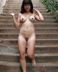 AMATEUR ASIAN NUDE MILF, WIFE, MATURE, MOM