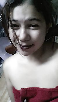 malay- awek tudung selfie pakai tuala