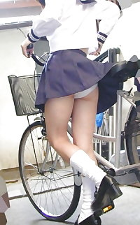 upskirts japanese girl 2