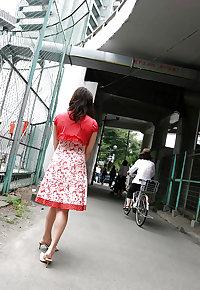 Japanese milf flashing in public