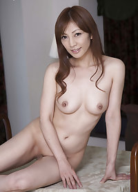 Cute Japanese Teen Ryou Hitomi