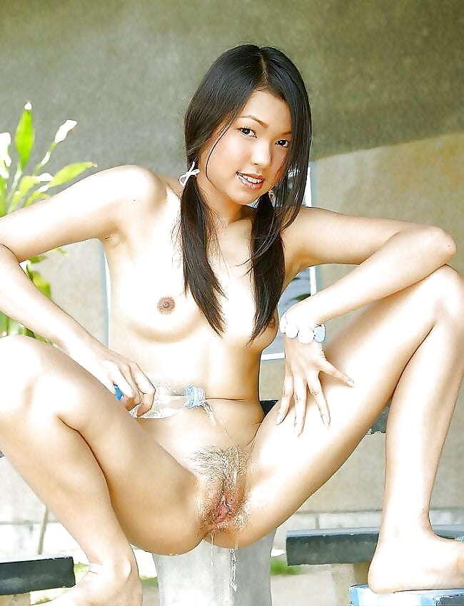 Lesbo milf seduces young girl